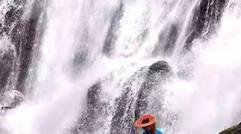 相约花瑶去看瀑布