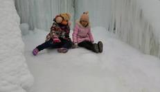 雪景中玩耍